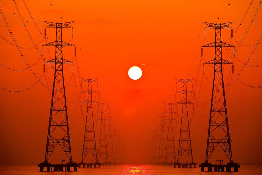『電波法』がドローン業界成長への最大障壁。それを破るには!?