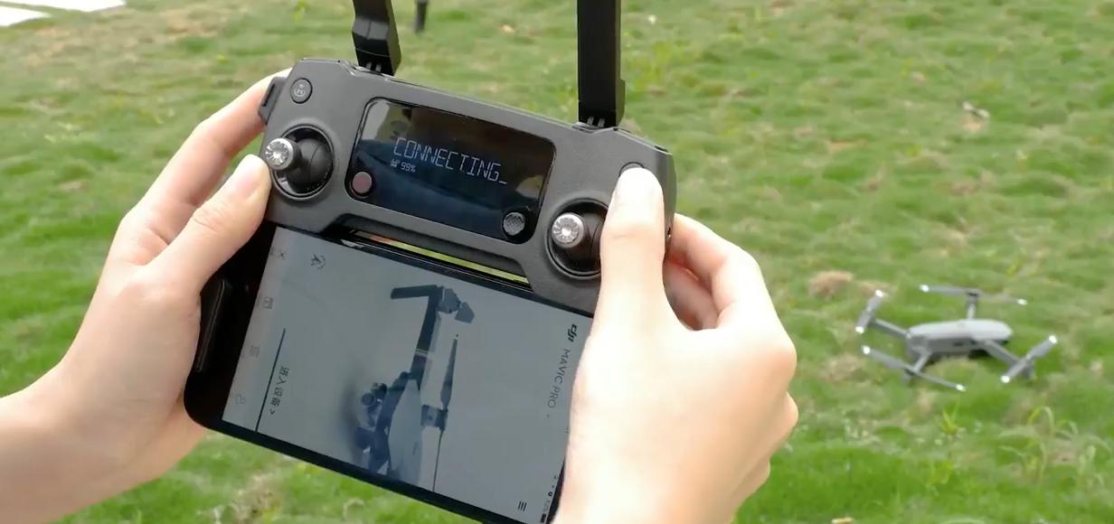 DJI Mavic PROを二つの送信機(プロポ)で操縦する方法