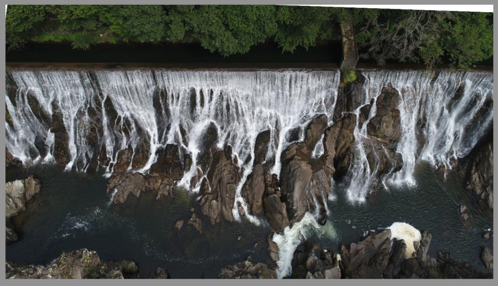 ドローン空撮写真上達のコツ1|撮影後の構図調整のバランス