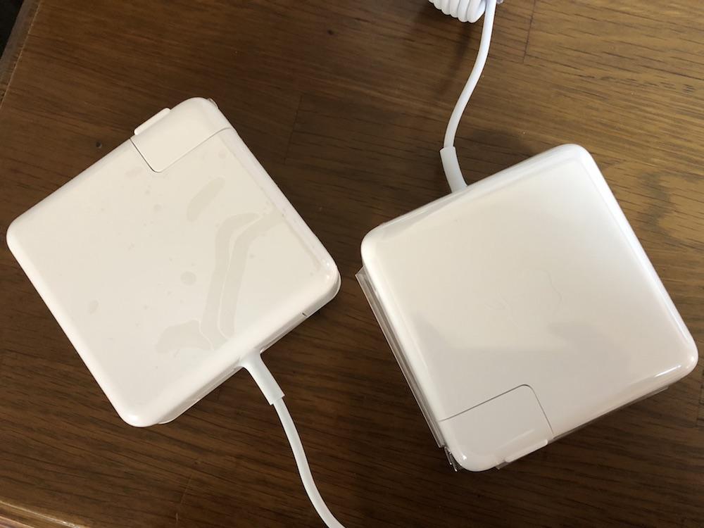 MacBook 充電器が破損!非純正を購入したら火花が出たので結局純正充電器を購入した話