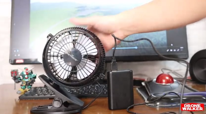 『Keynice USB卓上扇風機』は大型クリップでどこでも快適😎
