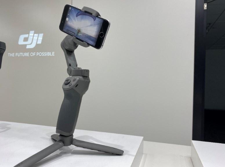 【DJI折りたたみ式スマホジンバル】オズモモバイル3の魅力を徹底紹介【OsmoMobile3】