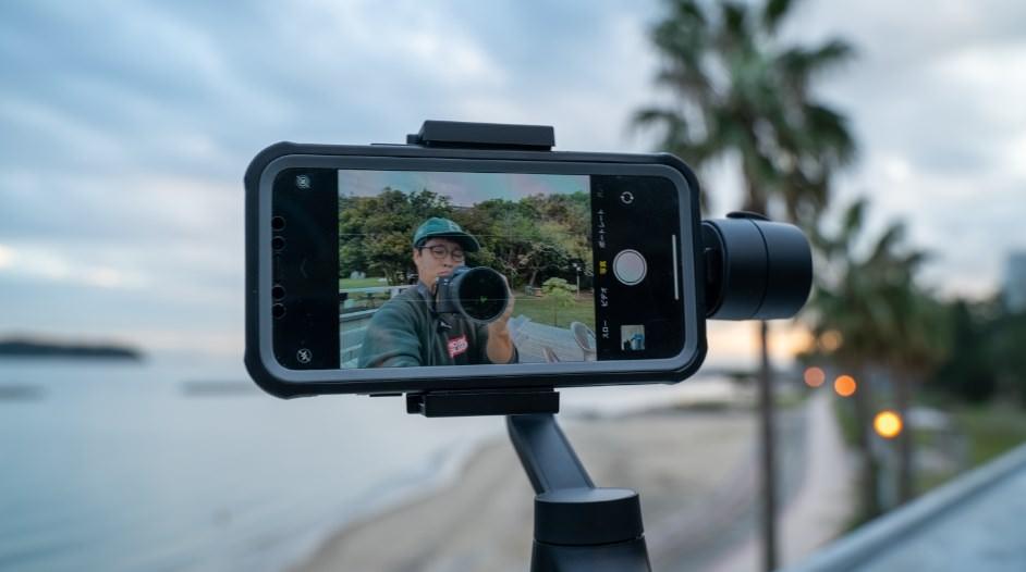充電しながら撮影できるスマホジンバル「MOZA Mini-MI」レビュー