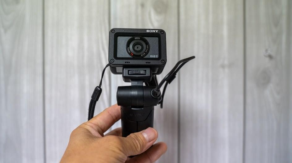 『Sonyシューティンググリップ』の使い方と使えるカメラをまとめて紹介