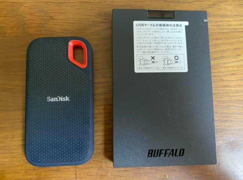 【コスパ最強!】『BUFFALO ポータブルSSD』をサンディスクのSSDと比較した結果
